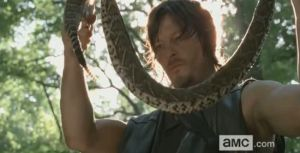the-walking-dead-daryl-dixon-snake